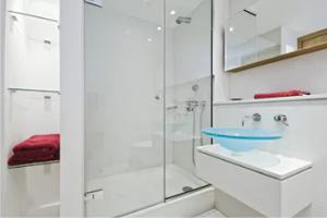 Quality Windermere FL Frameless Shower Doors